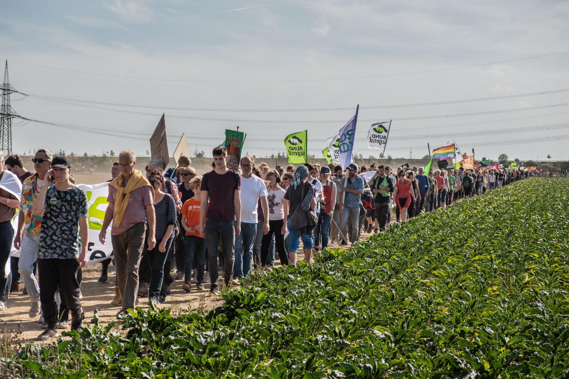 Bis in den Nachmittag hinein strömten die Menschen zum Veranstaltungsort