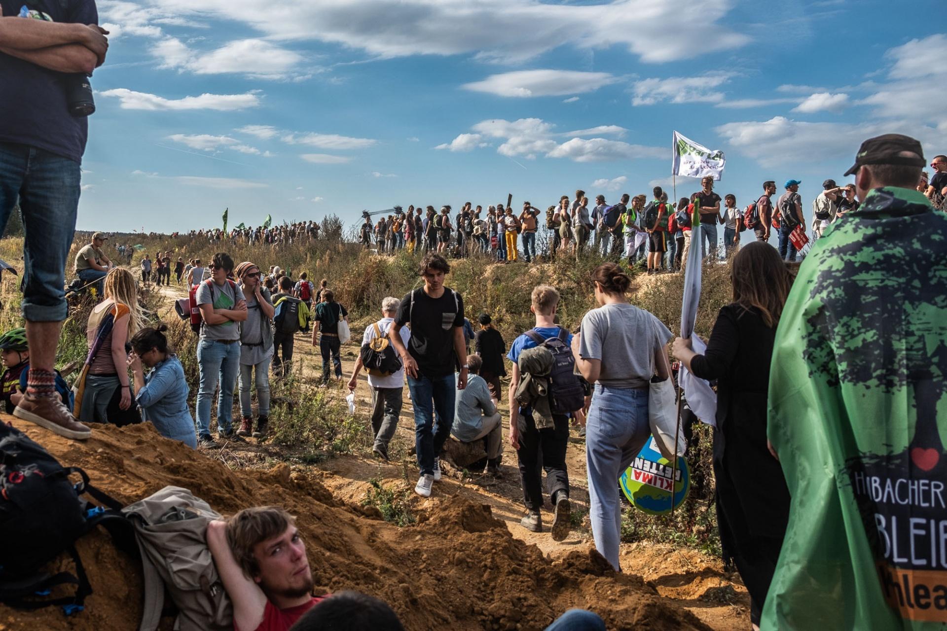 Am Rande des Hambacher Waldes sammelten sich Aktivisten